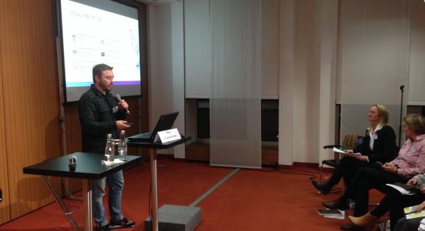 "Max Hoppenstedt berichtet über ""Motherboard"" (Foto: Boris Bittner)"