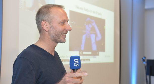 Stephan Beuting während seines Vortrags.